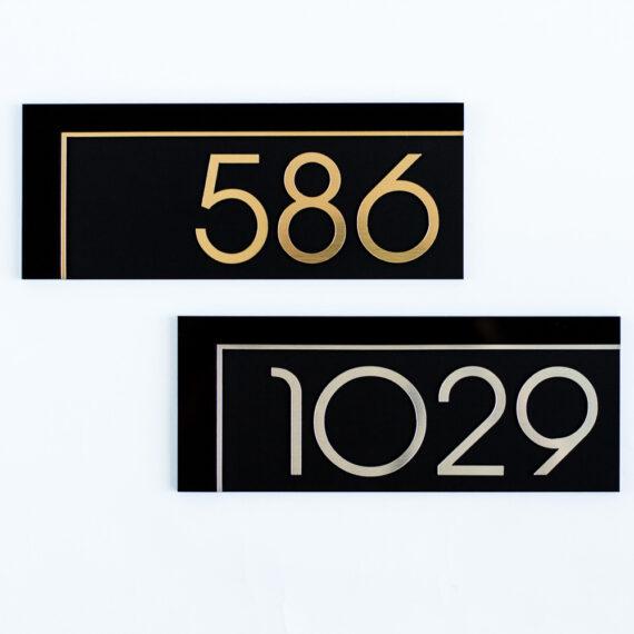 number_black_title